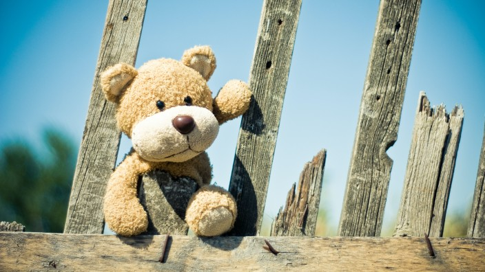 Ready to spot a teddy bear on your walk with your little one