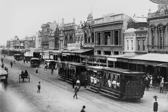 Trams and other vehicles on East Street Rockhampton 1923