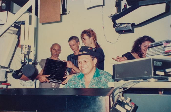 Ross Watson and Tiga Bayles at 4ZZZ in 1993