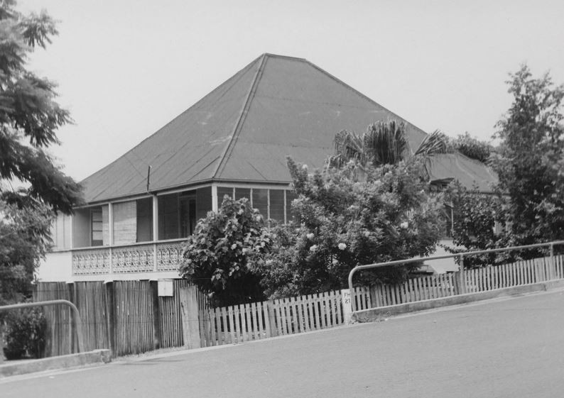 BW picture of Old Queenslander at 66 Chermside Road Ipswich