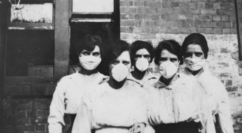 Women wearing surgical masks during the 1919 Spanish Influenza pandemic