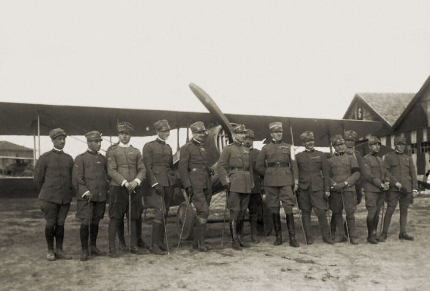 Pilots of the Italian 91st Fighter Squadron during the World War I probably 1917-1918