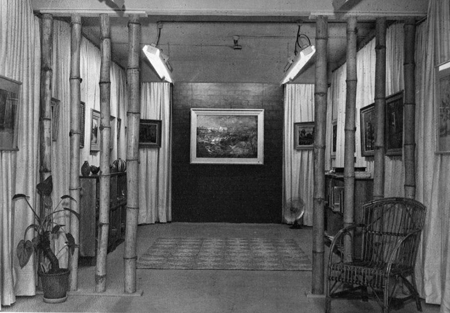 The first home of The Johnstone Gallery in the basement of the Brisbane Arcade