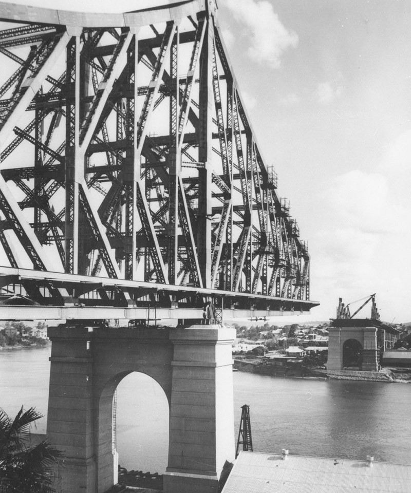 Construction of the Story Bridge Brisbane 1938