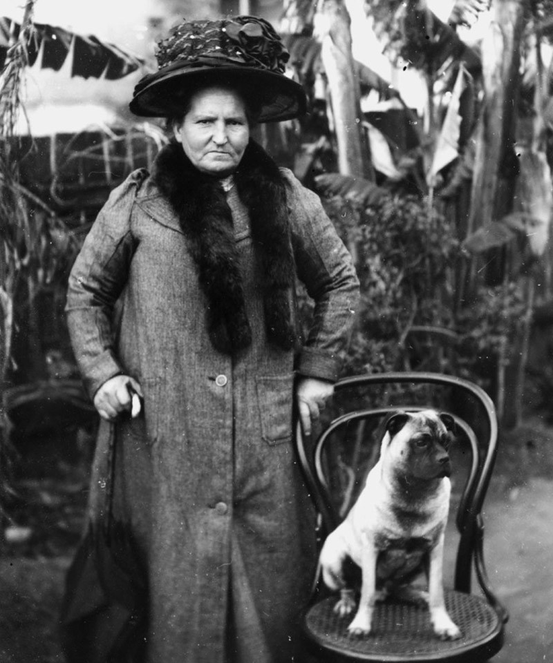 Portrait of a woman and her dog 1900-1910